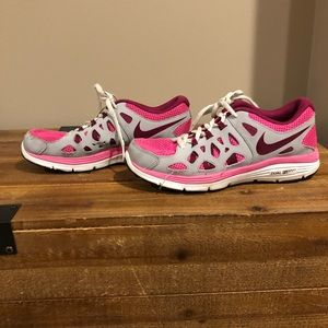 Nike Women's Dual Fusion Run 2 Shoes Pink Size 5.5